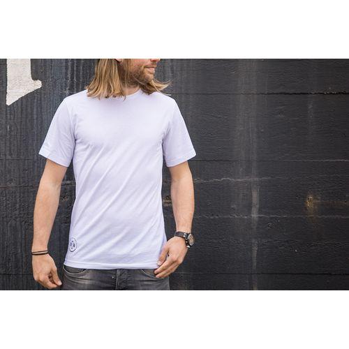 Textile en circuit fermé - T-shirt- de vêtements déjà portés, de chutes et de PET recyclé