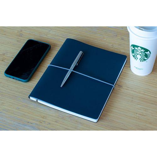 Cahier avec des lignes en cuir recyclé