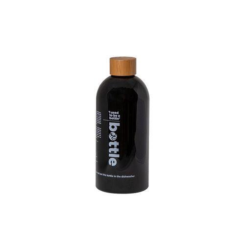 Cette bouteille est fabriquée à partir de bouteilles en PET recyclées à 100%