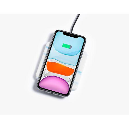 Chargeur de téléphone sans fil: fabriqué à partir de bobines d'imprimante recyclées