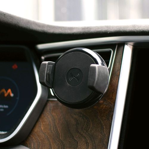 Chargeur de voiture sans fil fast charge   PHOSPHORESCENCE 267, rue François Perrin par PHOSPHORESCENCE