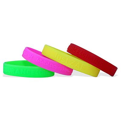 Bracelets en silicone en relief, taille large / adulte