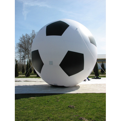 Ballon de foot gonflable géant