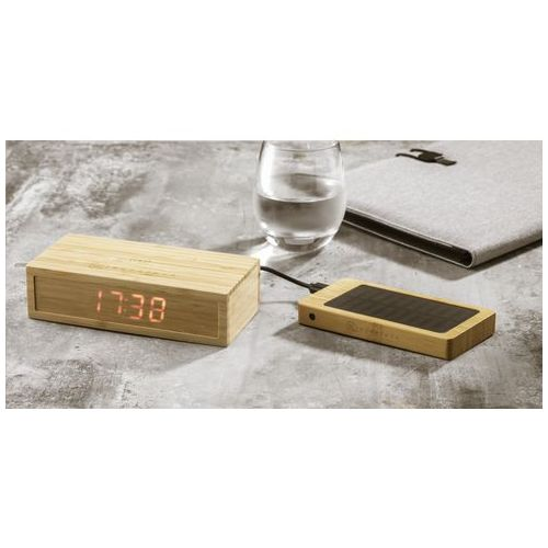 Bamboo Alarm Clock with Wireless Charger chargeur Objets publicitaires  personnalisation  FRANCE SUD PIERRE CLIPPER BV goodies personnalisation marseille