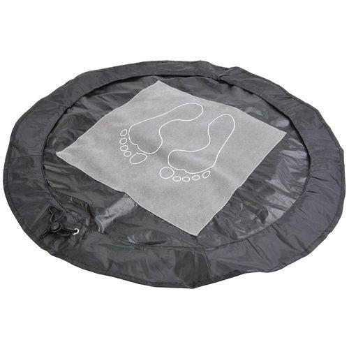 Tapis repose-pieds en polyester repliable et transformable en sac pour vetements humides (diamètre ouvert 65 cm, mesure fermé 16x11x3 cm)