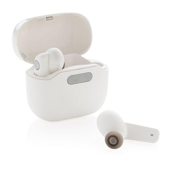 Ecouteurs TWS dans un boîtier de chargement et stérilisation