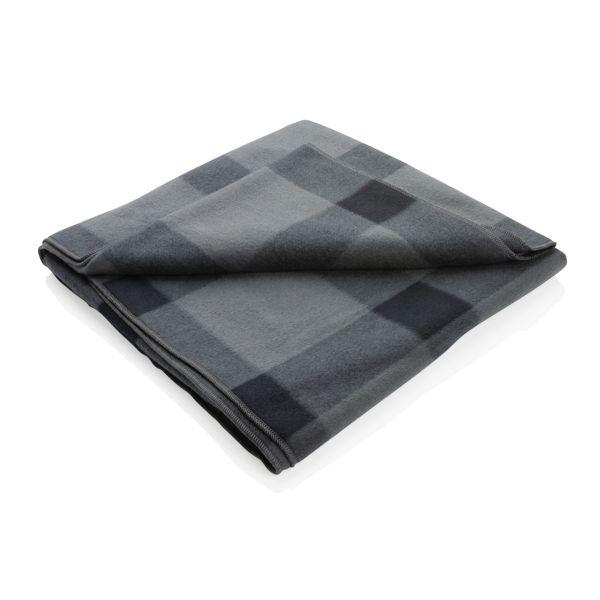 Soft plaid fleece blanket