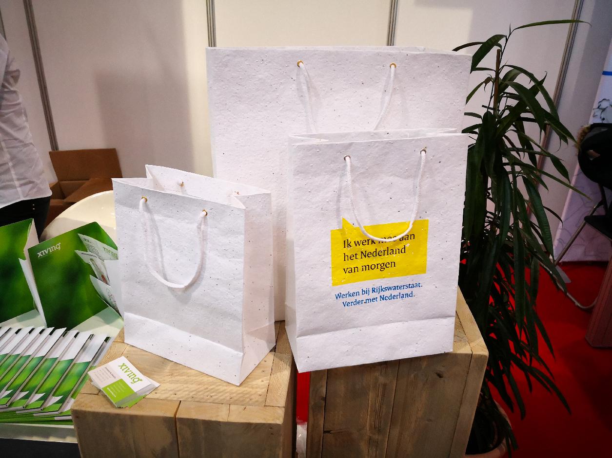 Papeterie a planter personnalisé NOUVEAUTÉ goodies objets publicitaires